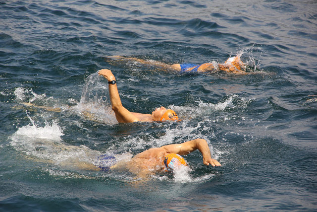89 yaşında Boğaziçi Kıtalararası Yüzme Yarışı'na katılıyor