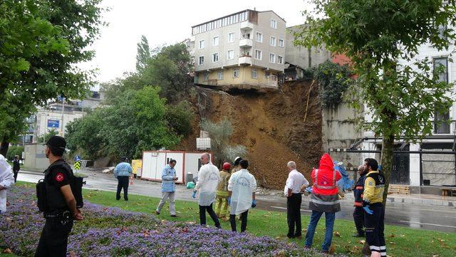 Çöken binanın etrafında oturanlar kayma anını anlattı