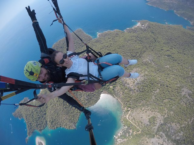 Görme engelliler yamaç paraşütü heyecanı yaşadı