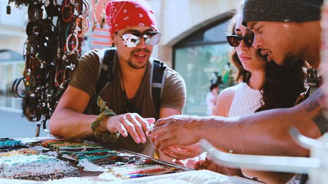 Venezuelalı sanatçı, kliple Mersin'i dünyaya tanıttı