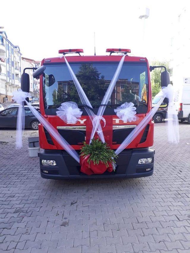 Elazığ'da itfaiye aracı gelin arabası oldu
