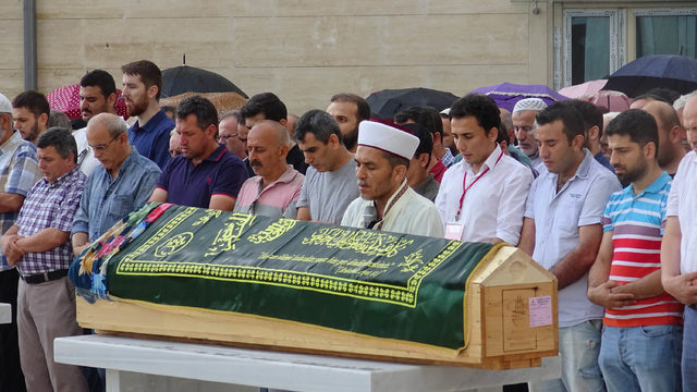 Avcılar'da öldürülen iki kadın için cenaze töreni