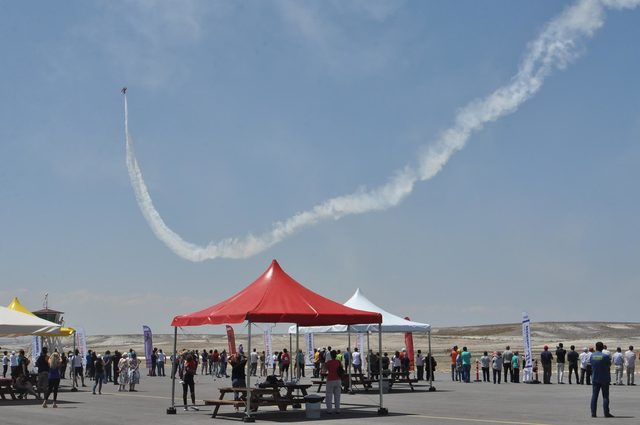 Sivrihisar'daki 'hava yarışları' nefes kesti
