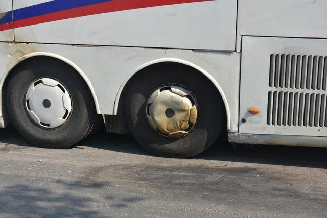 Tartıştığı turist kafilesinin otobüsünü yakmaya çalıştı