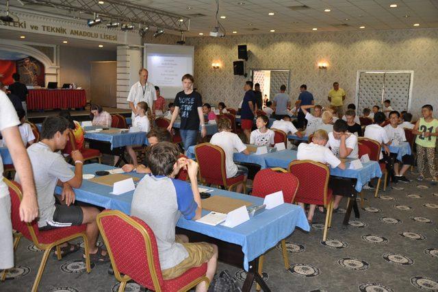 Renju Zeka Oyunu Dünya Şampiyonası, Kuşadası'nda başladı
