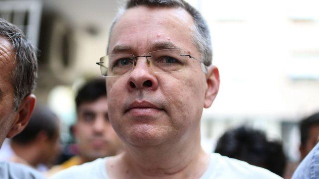 ABD, İzmir'de ev hapsinde tutulan Pastör Brunson'ın serbest bırakılmasını talep ediyor.