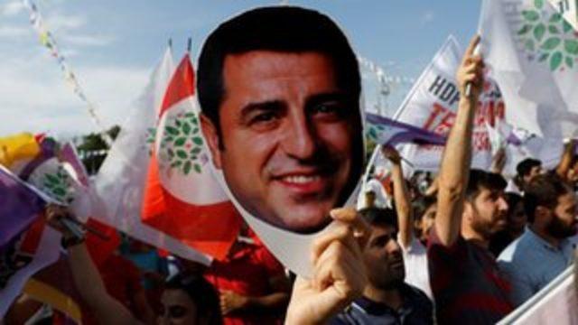 Demirtaş, HDP'ye yönelik eleştirileriyle ne mesaj verdi?