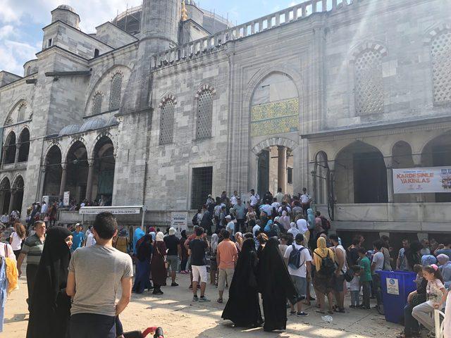 İstanbullular bayramın son gününde sahilleri ve turistik mekanları doldurdu
