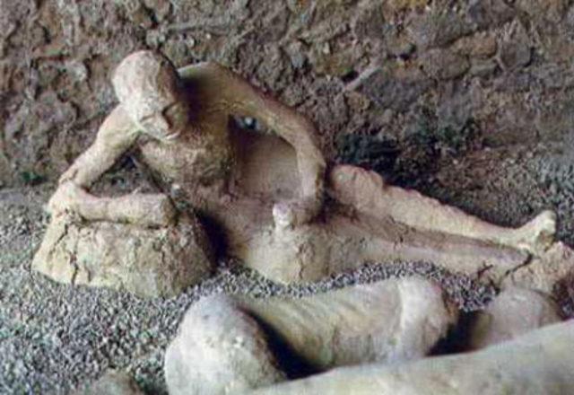 pompei şehri taş insanlar ile ilgili görsel sonucu