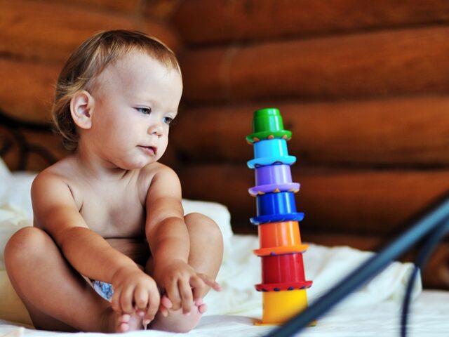 1-2 yaş çocuklarda gelişim basamakları