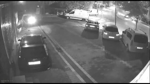 Kamerayı kıran kombi hırsızları başka bir kameraya yakalandı
