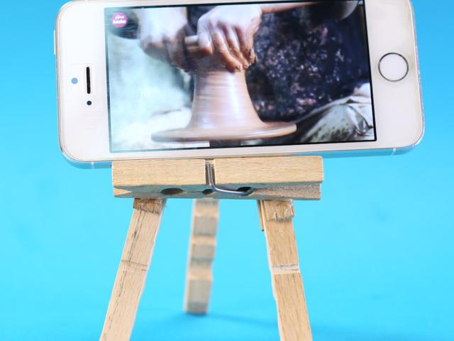 Iphone'dan Dizi İzlemenin En Güzel Yolu: Mandal Ayaklık!