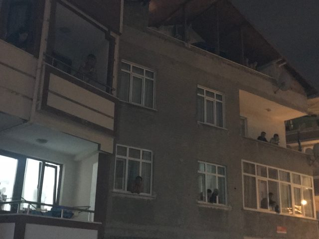 Ataşehir'de sokakta 2 el bombası bulundu (2)