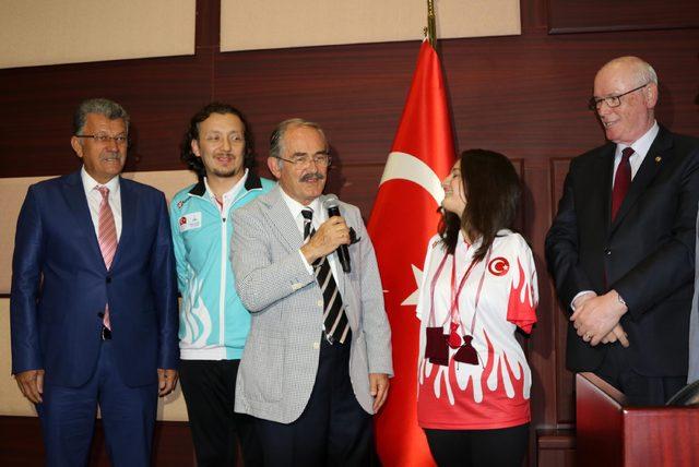 Avrupa Şampiyonu Sümeyye'ye belediye meclisinden altın
