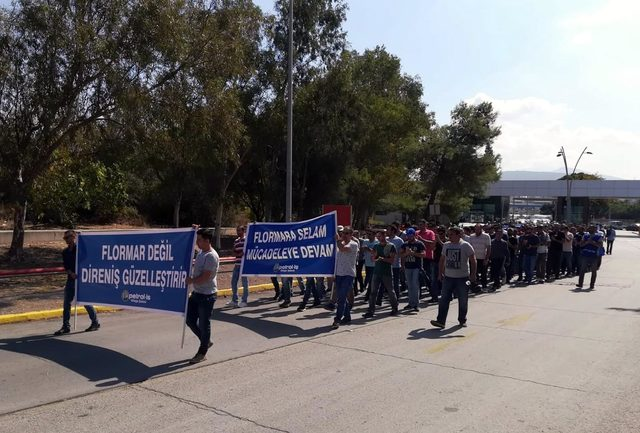 Tüpraş'ta iş bırakma eylemi tam güne çıktı