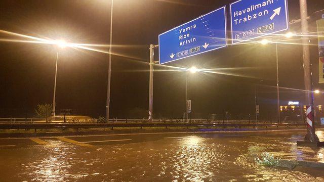 Trabzon'da sağanak etkili oldu, havalimanı uçuş trafiğine kapandı
