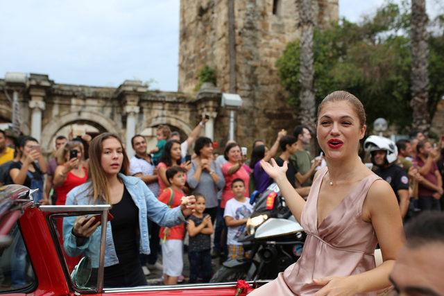 55'inci Uluslararası Antalya Film Festivali kortejle başladı