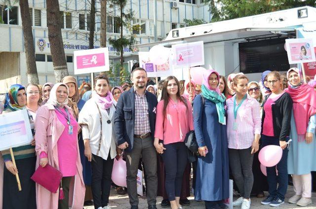 Artvin'de kadınlar Meme Kanseri için yürüdü