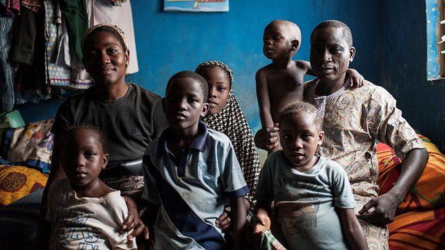 Afrika'nın en zengin insanının yaşadığı Nijerya'da yoksulluk artıyor.