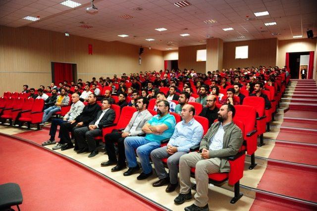 Prof. Dr. Uğur Ersoy, Van YYÜ'de seminer verdi