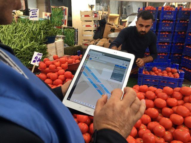 Gaziosmanpaşa'da pazarlarda etiket ve terazi denetimi