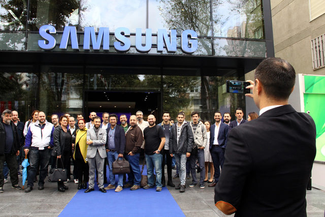 Samsung, Galaxy A7 ve A9'u tanıttı