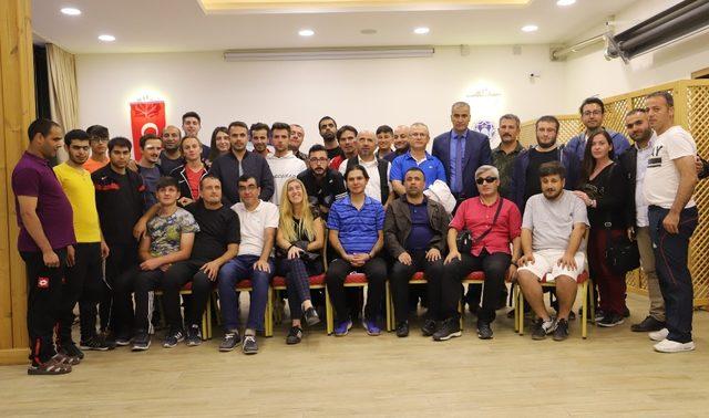 """""""B1 Futbol Hiç Görmeyenler Ligi Yükselme Şampiyonası Malatya'da yapıldı"""