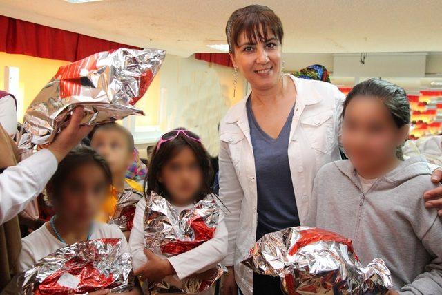 Sungurlu'da 61 yetim çocuğun yüzü güldü
