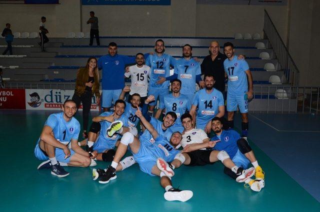 Palandöken Belediyespor voleybol takımı 2'de 2 yaptı