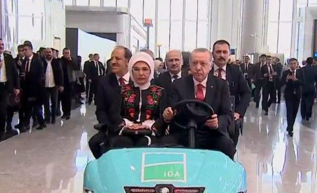 İstanbul Yeni Havalimanı açılıyor: Erdoğan'ın uçağı havalimanında