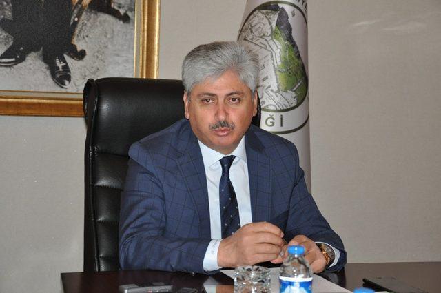 Kars Valisi Rahmi Doğan, basın mensuplarıyla vedalaştı