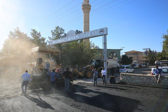 Sanayi sitesinin yolları asfaltlandı
