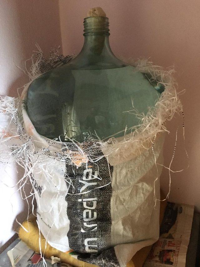 Kaçak içki üretilen bağ evine Jandarma'dan operasyon