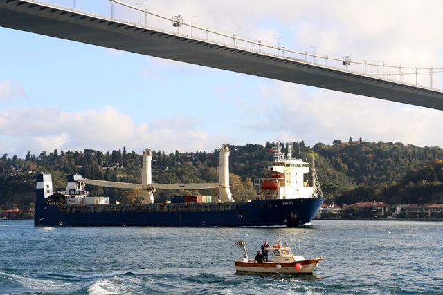 Suriye'ye giden Rus kargo gemisi Boğaz'dan geçti