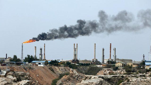 İran'daki bir petrol üretim merkezi