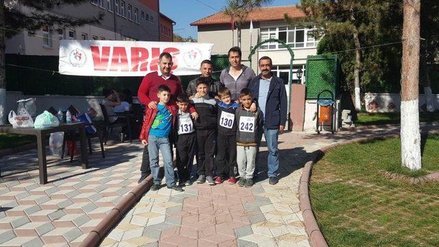 Bayat'ta ilk kez oryantiring yarışı yapıldı