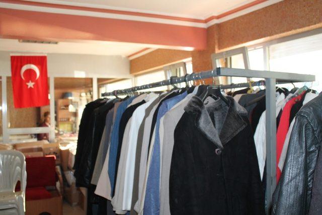 İhtiyaç sahipleri için belediye 5 yıldır kıyafet toplama kampanyası yapıyor