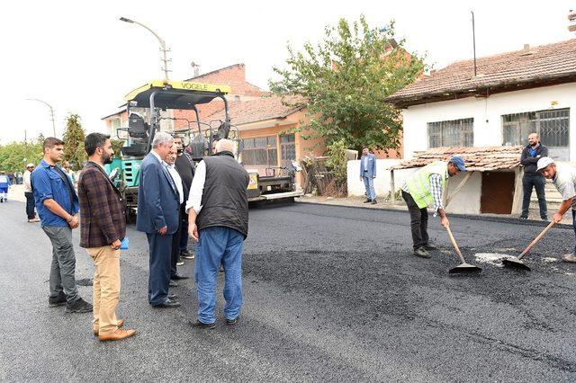 Büyükşehir trafo yolunu asfaltladı