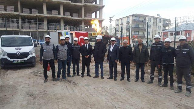 Türkiye'nin en soğuk ilçesinde doğalgaz meşaleleri yakıldı