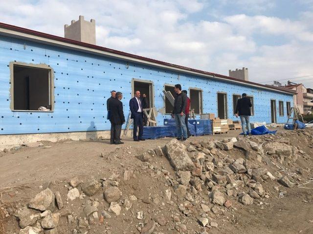 Kaymakam Öner okul inşaatlarını denetledi