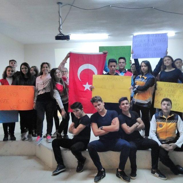 Kızılay'ın genç gönüllüleri öğrencilere Kızılay'ı anlattı