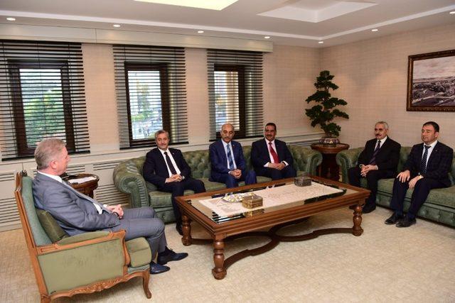 Başkan Tahmazoğlu'dan Vali Gül'e hoşgeldin ziyareti